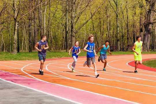 Risco de doença cardíaca começa jovem - é essencial melhorar a saúde do adolescente