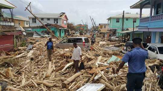 تباہ کن طوفانوں اور دیگر انتہائی موسم کے واقعات کی اقتصادی قیمت ہم نے بھی سوچا ہے