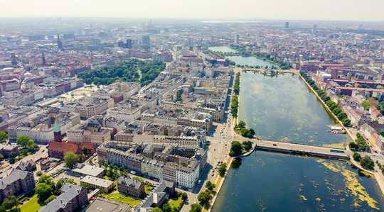Мэры городов 94 принимают новый глобальный курс, поскольку государства не в состоянии действовать в связи с климатическим кризисом