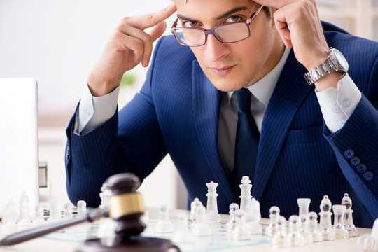 5 modi in cui gli scacchi possono renderti uno studente e un avvocato di diritto migliore