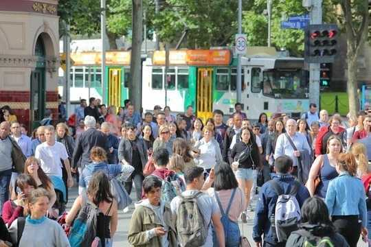 مهاجران می خواهند در شهرهای بزرگ زندگی کنند ، درست مثل بقیه ما