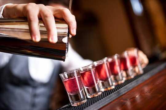 如何判斷假期喝酒是否會成為問題