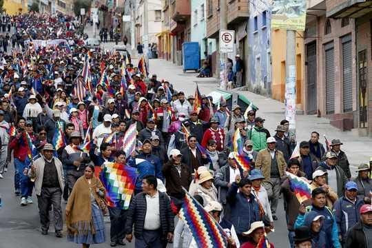 Почему городские беспорядки стимулируют глобальную волну протестов