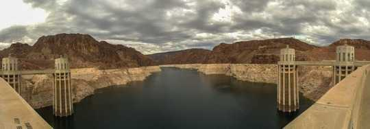 Perlombaan Global Untuk Air Tanah Mempercepat Kebutuhan Pertanian yang Bertumbuh