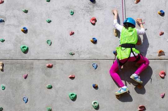 Hoe kinders wat PE-lesse op skool vrees, 'n sportkans kan kry