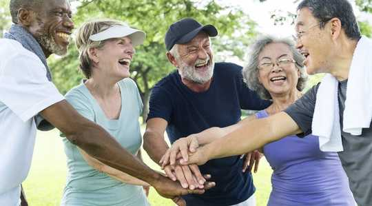 Apakah Nilai Benar Latihan Untuk Orang Lama dan Masyarakat Secara Umum