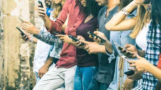Cara Beritahu Jika Ketagihan Digital Anda Merosakkan Kehidupan Anda
