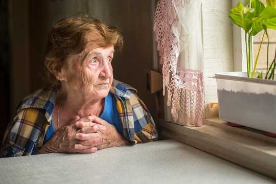 Bagaimana Perkembangan Diri Dalam Bayi Memberi Petunjuk Kepada Pecahan Memori Dalam Dementia
