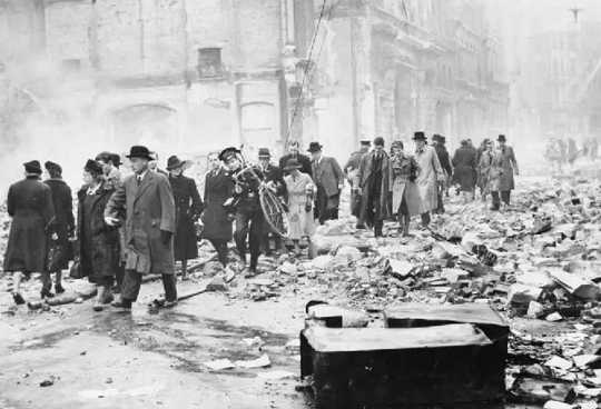 ¿Por qué los londinenses en Blitz aceptaron máscaras faciales para prevenir la infección a diferencia de los objetores de hoy?