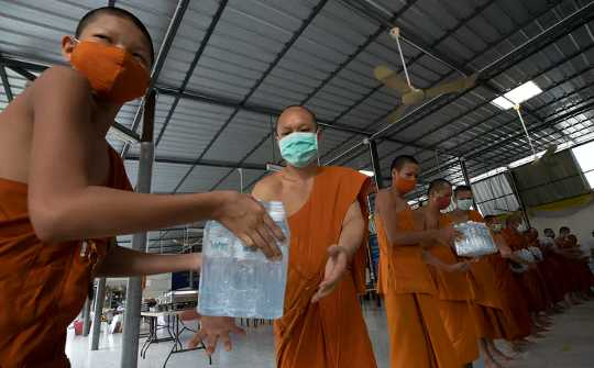 Buddhist Monks Have Reversed Roles In Thailand – Now They Are The Ones Donating Goods To Others