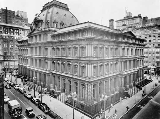 Die ou poskantoor van St. Louis is in die National Register of Historic Places. (hoe 'n afgebreekte poskantoor meer vernietig as posdiens)