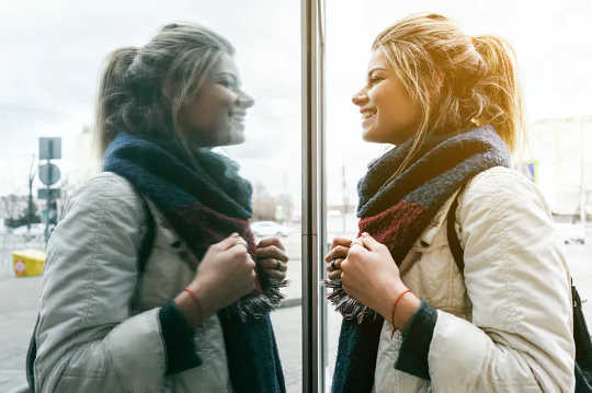 Cara Menetapkan Semula Hubungan Anda Dengan Tubuh Anda Sekiranya Lockdown Memburukkan Masalah Makan