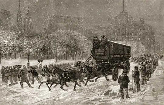 En tregravering viser en US Mail-vogn trukket av hester langs Broadway under en snøstorm, New York, New York, rundt 1886.