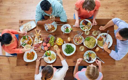 Mengapa Menambah Kalori Secara Perlahan Setelah Diet Tidak Mencegah Penurunan Berat Badan - Tetapi Mungkin Mempunyai Manfaat Lain