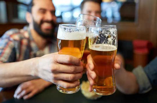 Mengapa Bir Rendah dan Bebas Alkohol Boleh Dianggap Minuman Kesihatan
