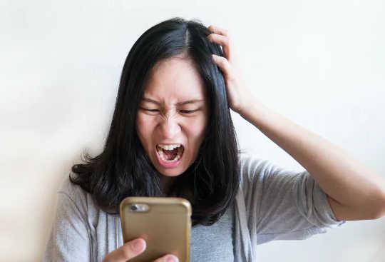 Mengapa Skrin Kami Meninggalkan Kita Lapar Bentuk Interaksi Sosial Lebih Berkhasiat