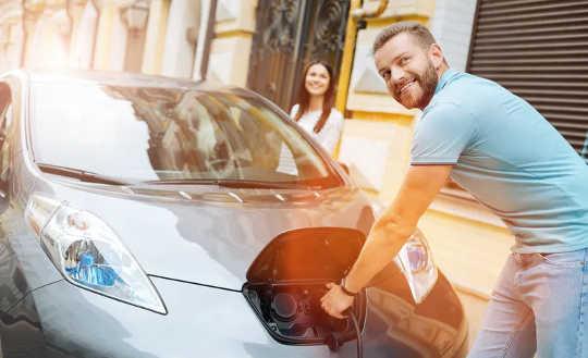 Электромобили могут использоваться для хранения избыточной энергии.