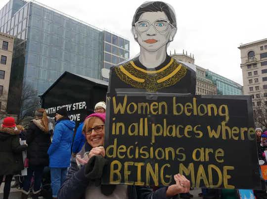 露丝·巴德·金斯堡(Ruth Bader Ginsburg)是美国最高法院的陪审法官,也是美国妇女权利运动的重要人物(如果您过着生活,那么您可能已经成为了职业选择)