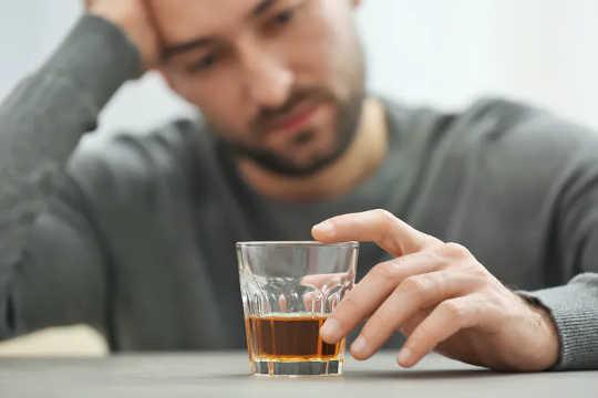 Drink om nood te voorkom, is een voorbeeld van 'n emosionegebaseerde hanteringstrategie. (hoe kan ek dit goed hanteer tydens die pandemie)