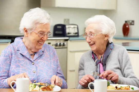 나이가 들어감에 따라 필요한 단백질 섭취량을 늘리는 5 가지 방법