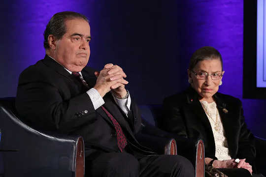 Friendships like that of former Supreme Court Justices Antonin Scalia and Ruth Bader Ginsburg are becoming less common. (why friendships are falling apart over politics)