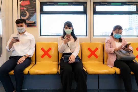 Social distansering gör kollektivtrafiken värre för miljön än bilar - Så här åtgärdar du det