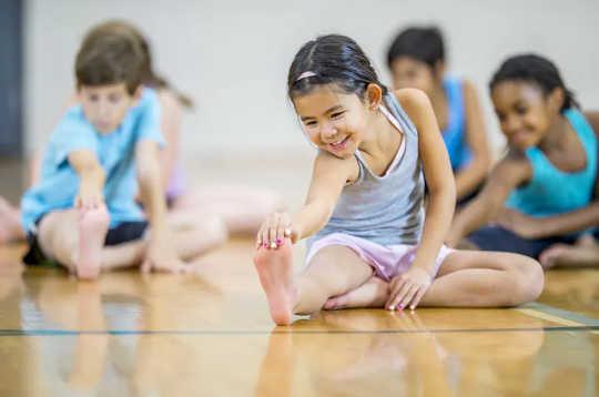 L'apprendimento a distanza rende più difficile per i bambini fare esercizio, soprattutto nelle comunità a basso reddito