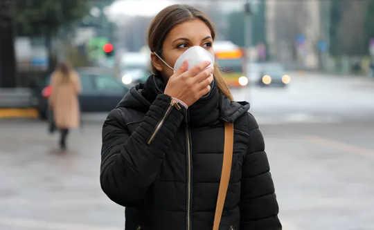 يرتبط التعرض لتلوث الهواء بارتفاع حالات ووفيات كوفيد -19