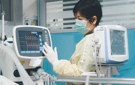 Watter koronavirusbehandelings werk en watter nie?
