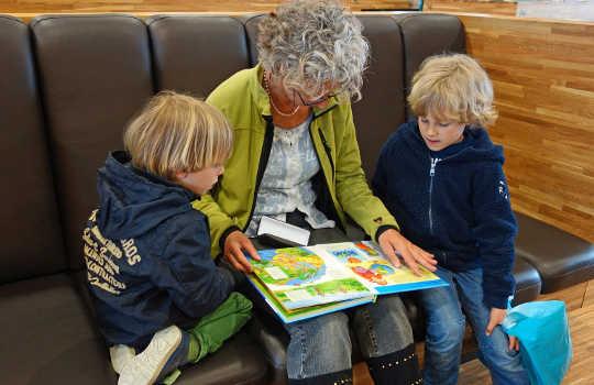 5 boeke om aan kinders voor te lees wat volwassenes ook sal geniet
