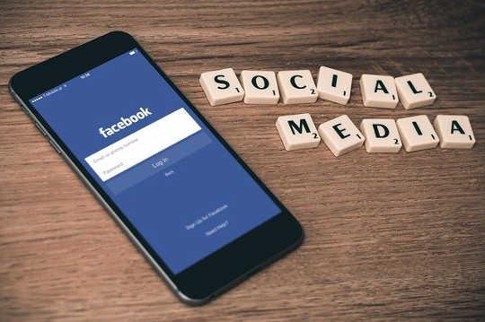 Hur Facebook lutar det politiska spelområdet mer än någonsin