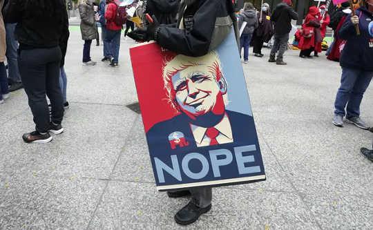 Apa Arti Kemenangan atau Kerugian Trump Bagi Feminisme