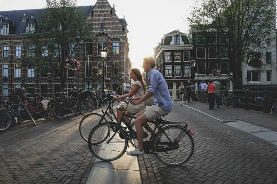 Amsterdam zeigt, dass es möglich ist. (fünf Möglichkeiten, um eine grüne Erholung in Gang zu setzen)
