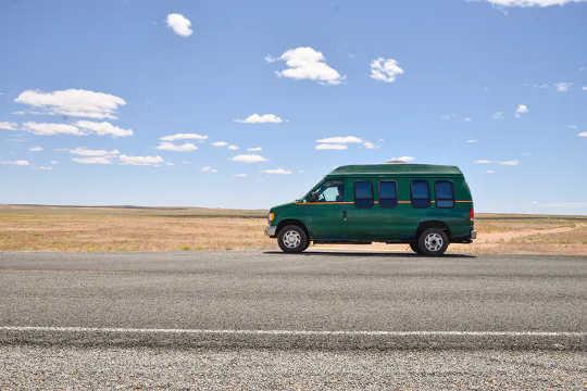 Vanlifers memuji kebaikan mobiliti. (mengapa sebilangan pekerja memilih untuk tinggal di van mereka)