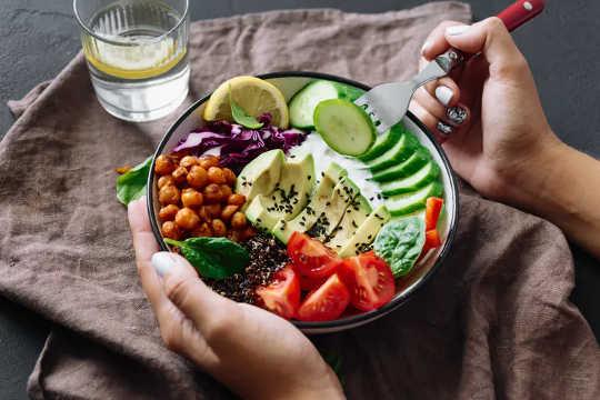 En hälsosam kost kan fixa tarmdysbios i vissa fall.