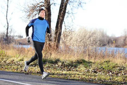 Por que os exercícios de inverno são importantes para manter a saúde física e mental