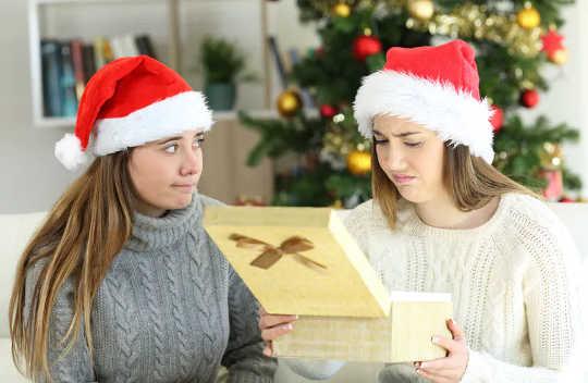 如何选择合适的圣诞礼物:心理研究提示