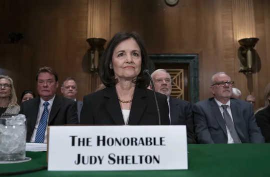 Judy Shelton har fortsatt en sjanse til å bli bekreftet. (hva er gullstandarden og hvorfor den skal forbli i historiens støvbeholder)
