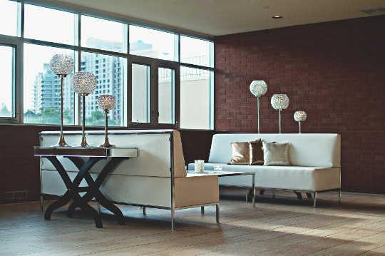 コロナウイルスの拡散を減らすために室内空気をきれいに保つ方法