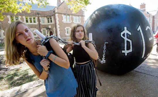 Мораль скасування студентського боргу