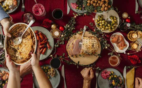 Mengapa Kita Sangat Buruk Mengira Kalori Yang Kita Makan, Minum atau Bakar