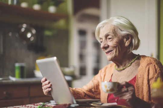 なぜCovid-19の時代に、年配の大人は時間の見方が異なり、若い人よりもうまくやっているのか