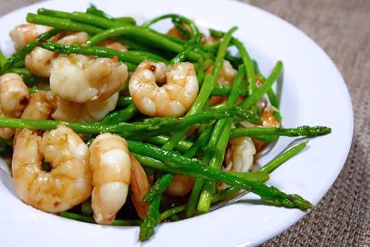 Ang Dalawang Mga Uri Ng Seafood na Ito ay Kadalasang Maling label sa mga Kalikasan, Pangkabuhayan, at Mga Sosyal na Bunga
