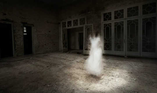 Why So Many Of Us Believe In Ghosts