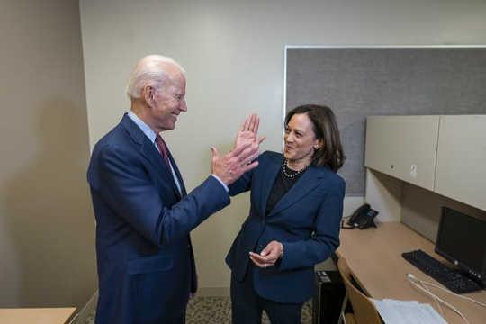کامالا هریس ، انتخاب جو بایدن برای معاون رئیس جمهور کیست؟