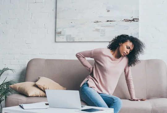 10 lời khuyên để chăm sóc lưng khi bạn đang ngồi