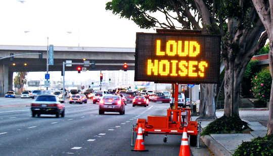 Neden Gürültü Alzheimer Hastalığı Şansınızı Artırabilir?