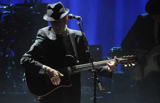 Luisteren naar liedjes van Leonard Cohen: Singing Sadness To Sadness In deze angstige tijden