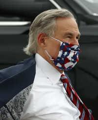 Gubernur Texas Greg Abbott, yang awalnya memblokir kota-kota untuk memberlakukan pesanan masker, mengubah pesannya setelah kasus COVID-19 melonjak di negara bagiannya. Banyak penduduk menghindari penggunaan topeng sebelum dia beralih ke promosi dan kemudian mengharuskannya.