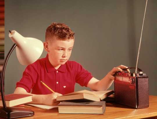Sekiranya Anda Mendengar Muzik Apabila Anda Bekerja?